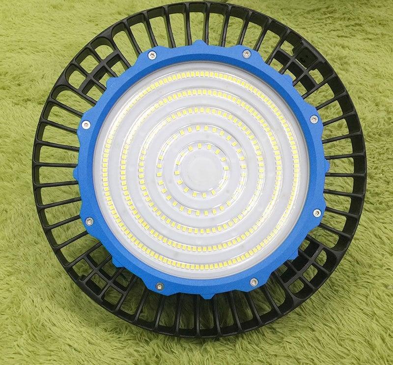 Anneau bleu haute baie à LED UFO