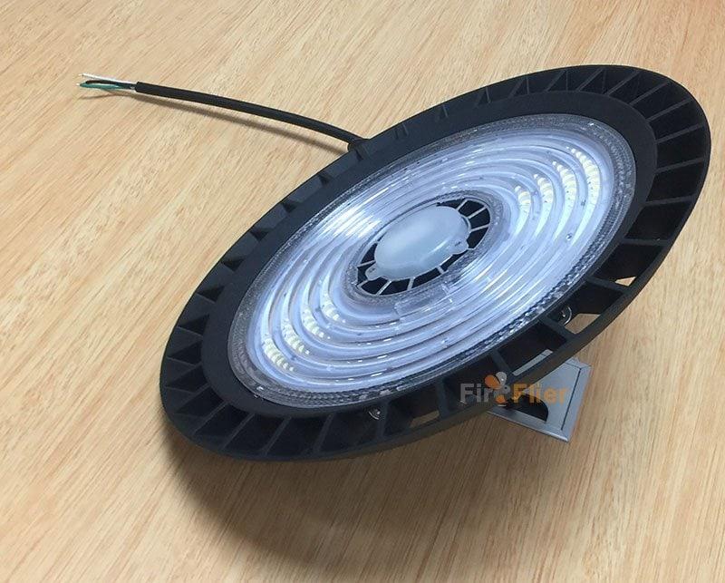 Accesorio de iluminación LED para almacén