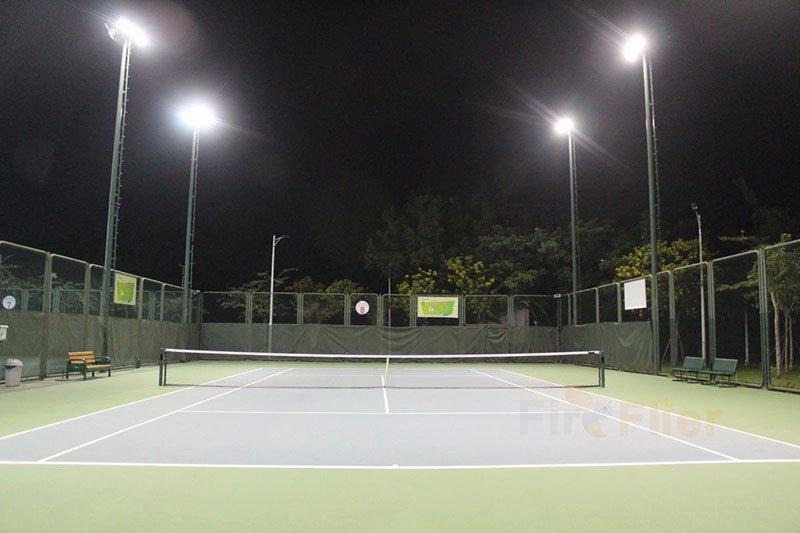 Iluminación LED para canchas de tenis