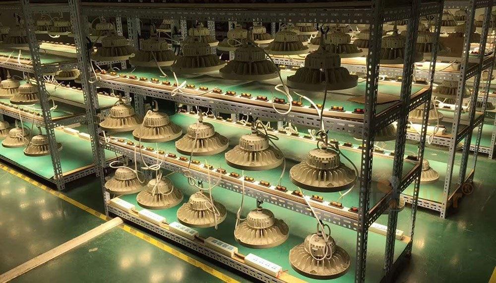 UFO LED High Bay Light vananemistesti tulelennuk