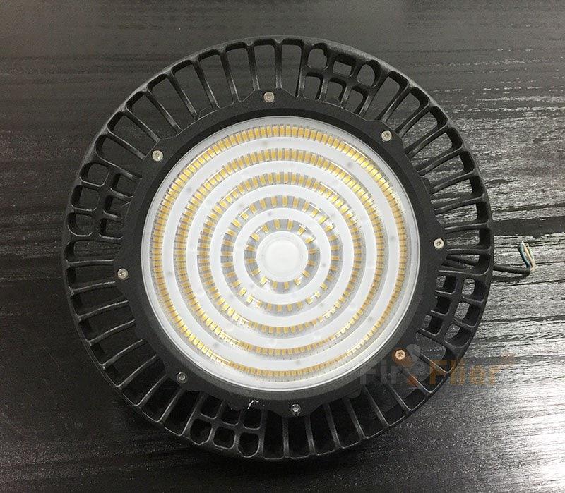 Bonita lámpara LED UFO de gran altura
