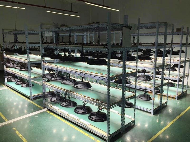 Alterungstest für LED-Hochregallampen