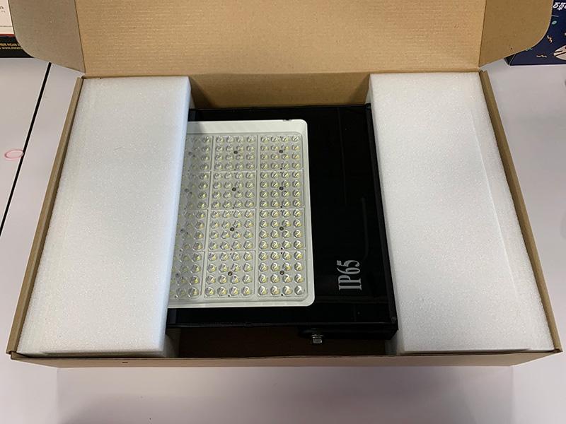 حزمة من ضوء الفيضانات LED