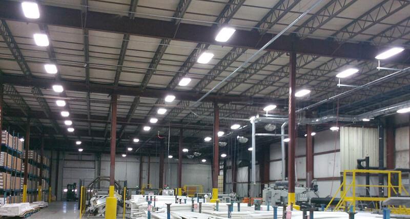 éclairage linéaire d'entrepôt